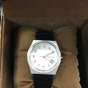 authentic never worn! Gucci watch!